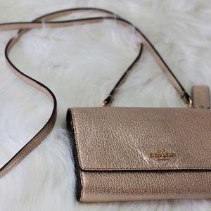 Coach wallet purse in pink!